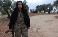 "Arab female fighter of Women's Protection Unit (YPJ): ""I call upon all women to join the YPJ."""