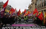 Tens of thousands commemorate Sakine, Fidan, Leyla in Paris