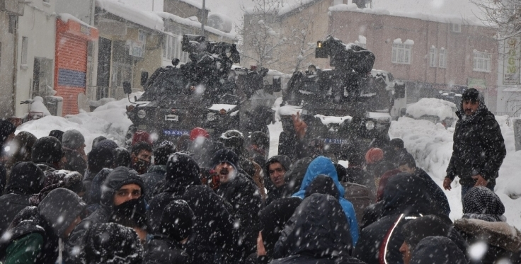 People flock to Dicle neighborhood to reclaim the bodies of slain civilians