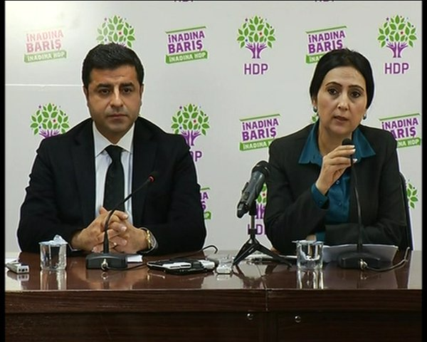 Demirtaş and Yüksekdağ call upon international institutions to act for Sur