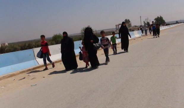 400 displaced people flee to Efrîn Canton